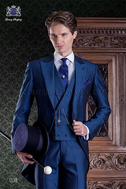 """Chaqué azul de sastrería italiana con elegante corte """"Slim"""" en ... 94e92e7d3f0"""