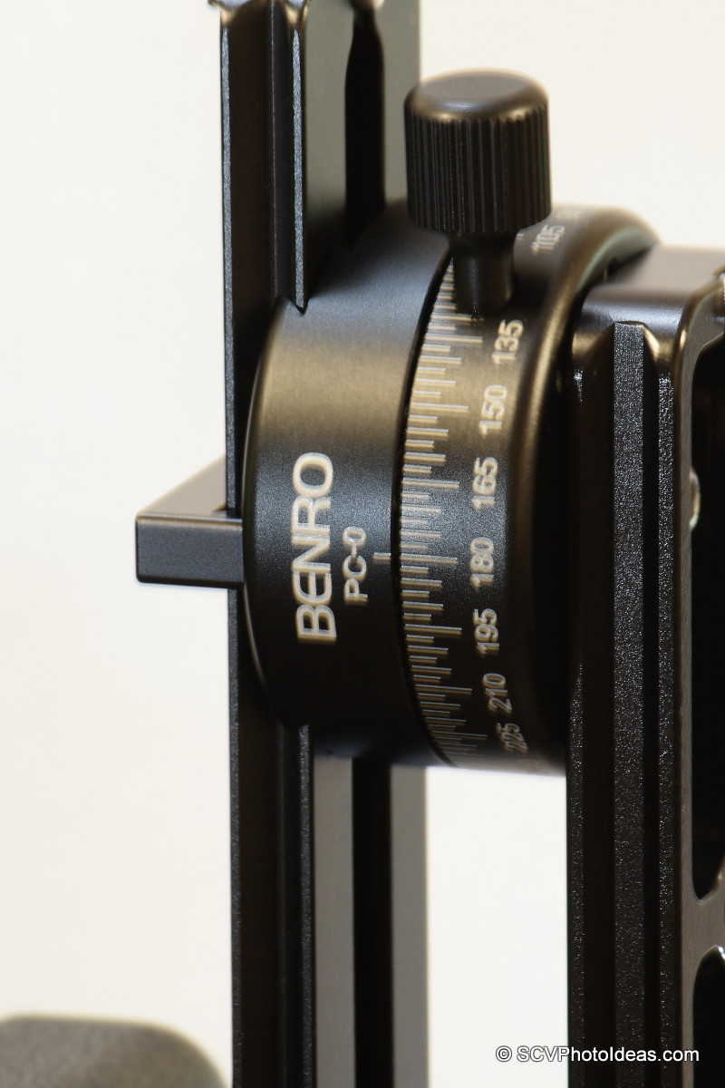 Benro PC-0 panorama clamp w/ Nodal rail - vertical closeup