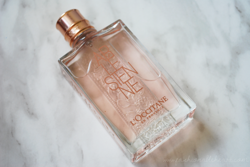 bbloggers, bbloggersca, l'occitane, arlesienne, perfume, fragrance, floral, bottle, eau de toilette, rose gold, review