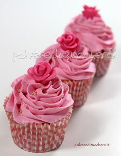 cupcake frosting cioccolato pasta di zucchero cake design sponge cake cheese cream polvere di zucchero