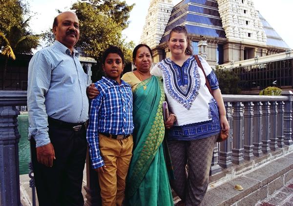 Aliceee-Traveler-India