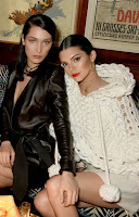 2017-02-20 ケンダル・ジェンナー(Kendall Jenner)、ベラ・ハディッド(Bella Hadid)