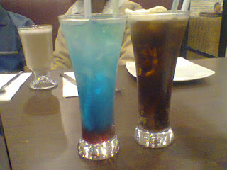 Mixberry dan Frappe Latte Pizza Hut