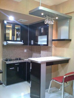 Dengan Adanya Mini Bar Pada Interior Kitchen Set Akan Terkesan Mewah