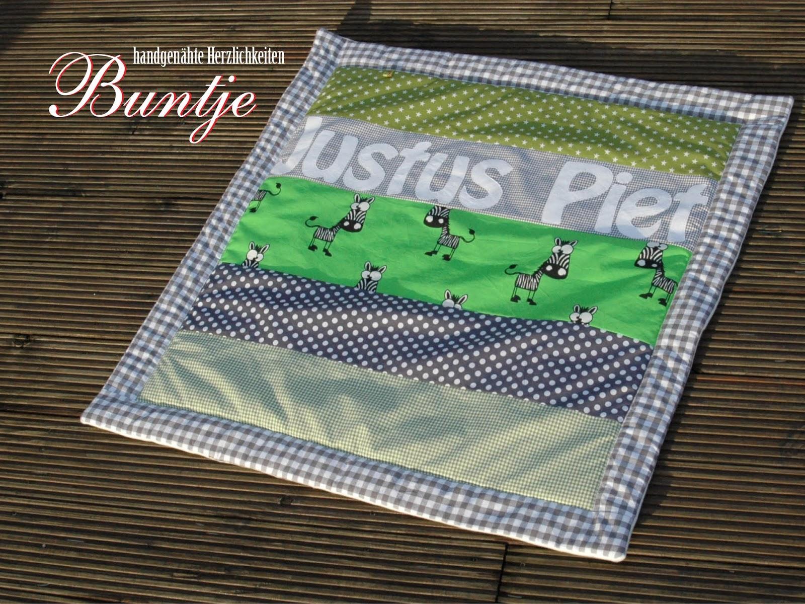 Krabbdeldecke Babydecke Decke Baby Geschenk Geburt Taufe Name Baumwolle Justus Piet Fleece handmade nähen Buntje Junge grün grau Zebra Dschungel
