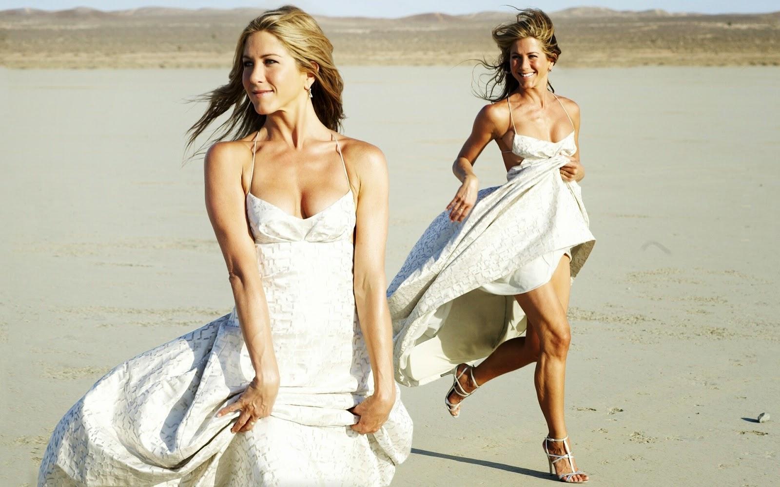 Jennifer aniston bikini body