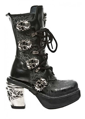 Attitude Clothing Black Lace-up boots with Skulls