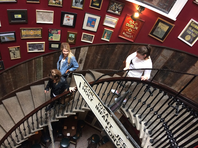Merchant's Arch - Dublin with staircase decor