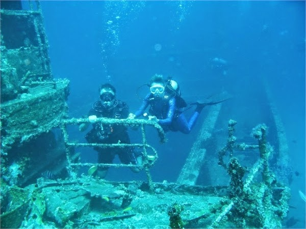 Dive The Antilla Shipwreck
