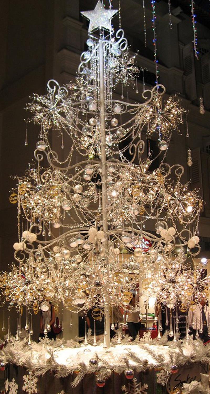 Elegant Crystal Christmas Tree