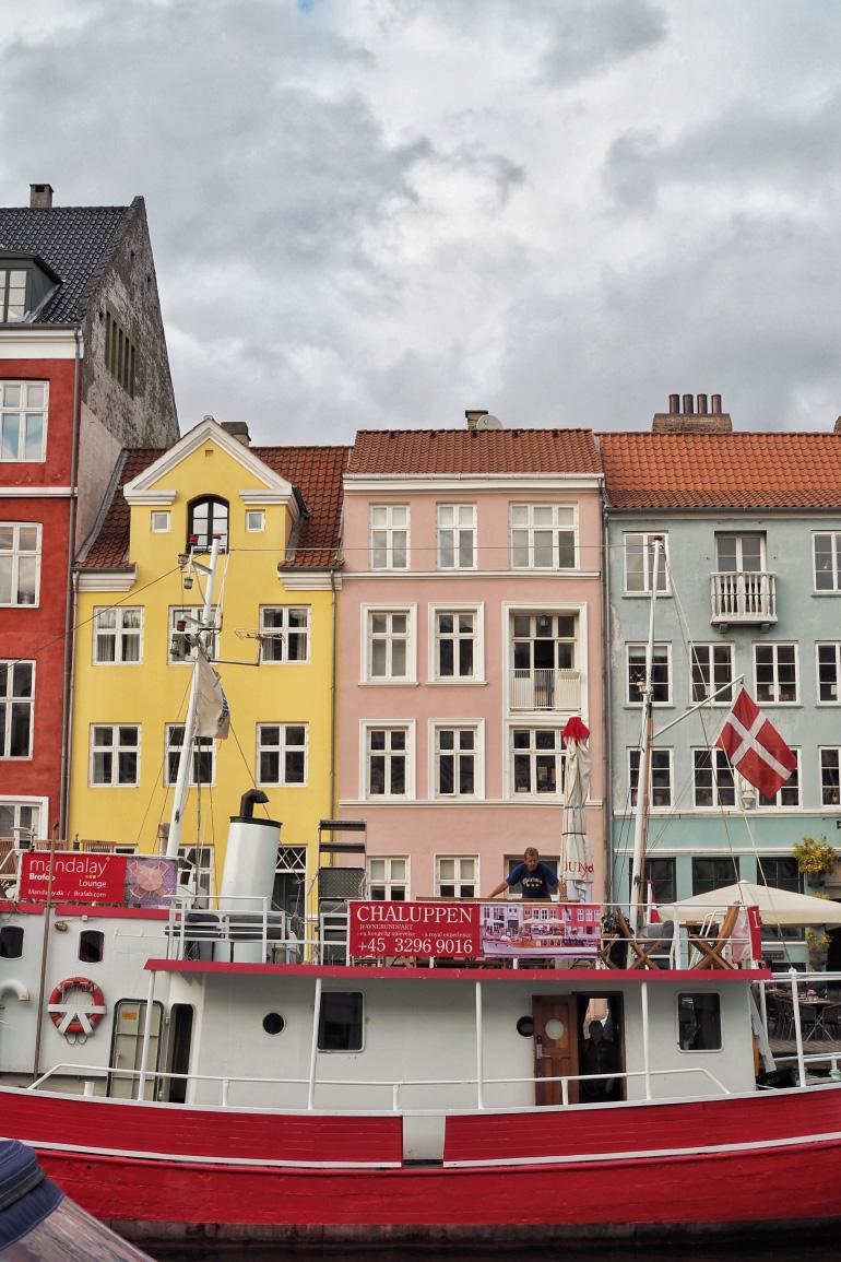 Façades colorées de Nyhavn, le port de Copenhague