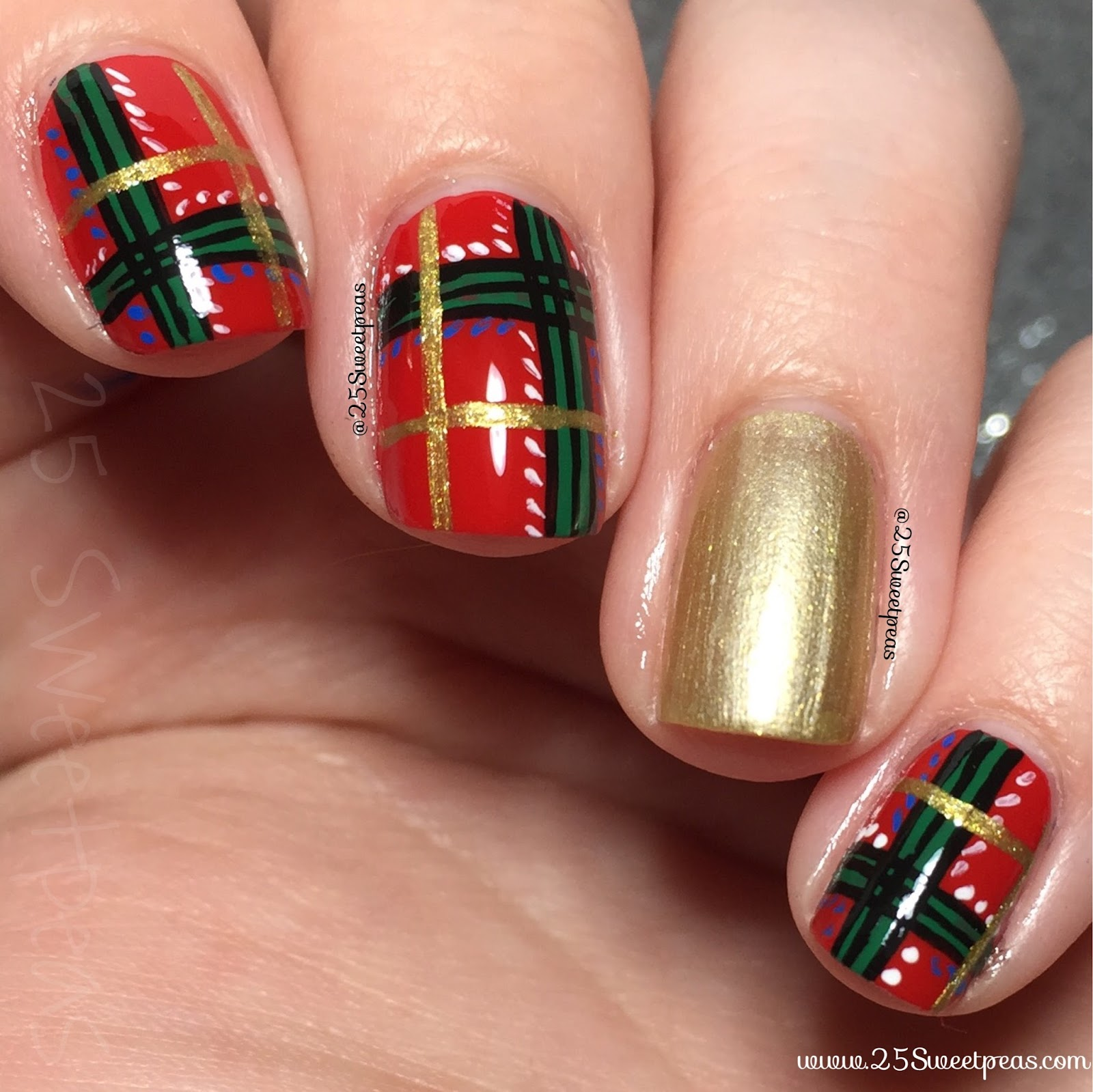 Nail Art Tutorial All I Want For Christmas Is Plaid: Christmas Plaid Nail Art