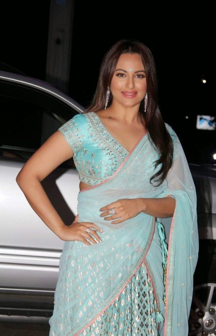 Sonakshi Sinha Hot Stills In Blue Saree