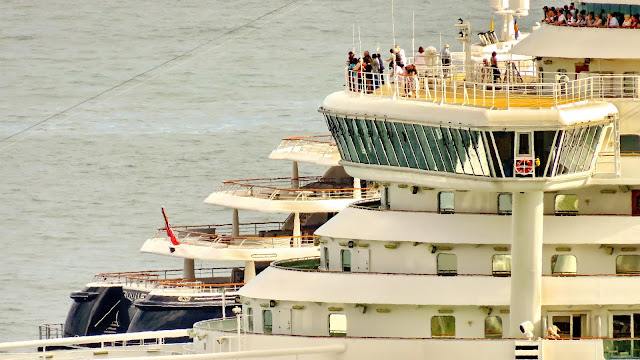 ships and passengers