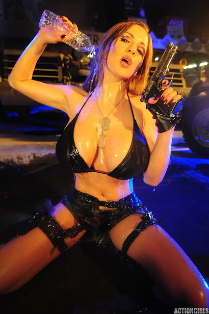 Jordan-Carver-Action-Girl-Photoshoot-Hot-and-Sexy-Pic-112