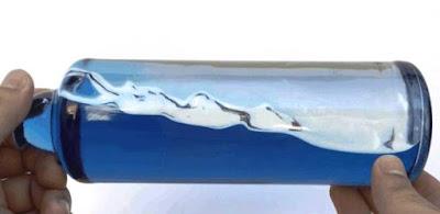 Cara membuat gelombang laut dlm botol