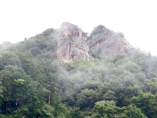 霧の中の嵩山
