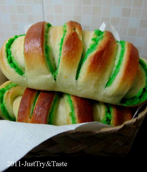 Obsesi Roti 4: Roti Gulung Isi Kacang Hijau JTT