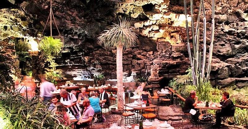 Le grotte vulcaniche del Jameos del Agua a Lanzarote, meraviglia naturale e... ristorante!