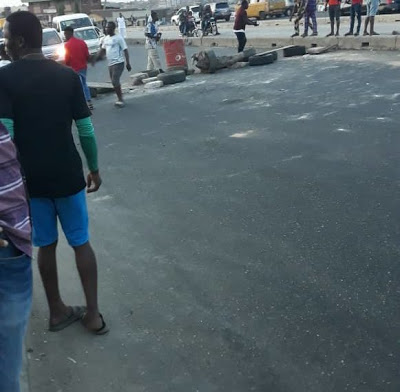 Lagos residents protest as SARS murder another innocent youth