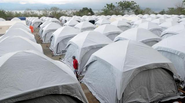 40 Ribu Warga Palu Masih Bertahan di Tenda Pengungsi