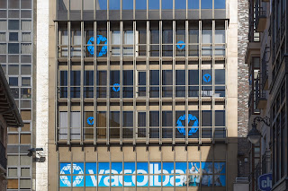 Edificio de Vacolba en la calle Santiago de Valladolid