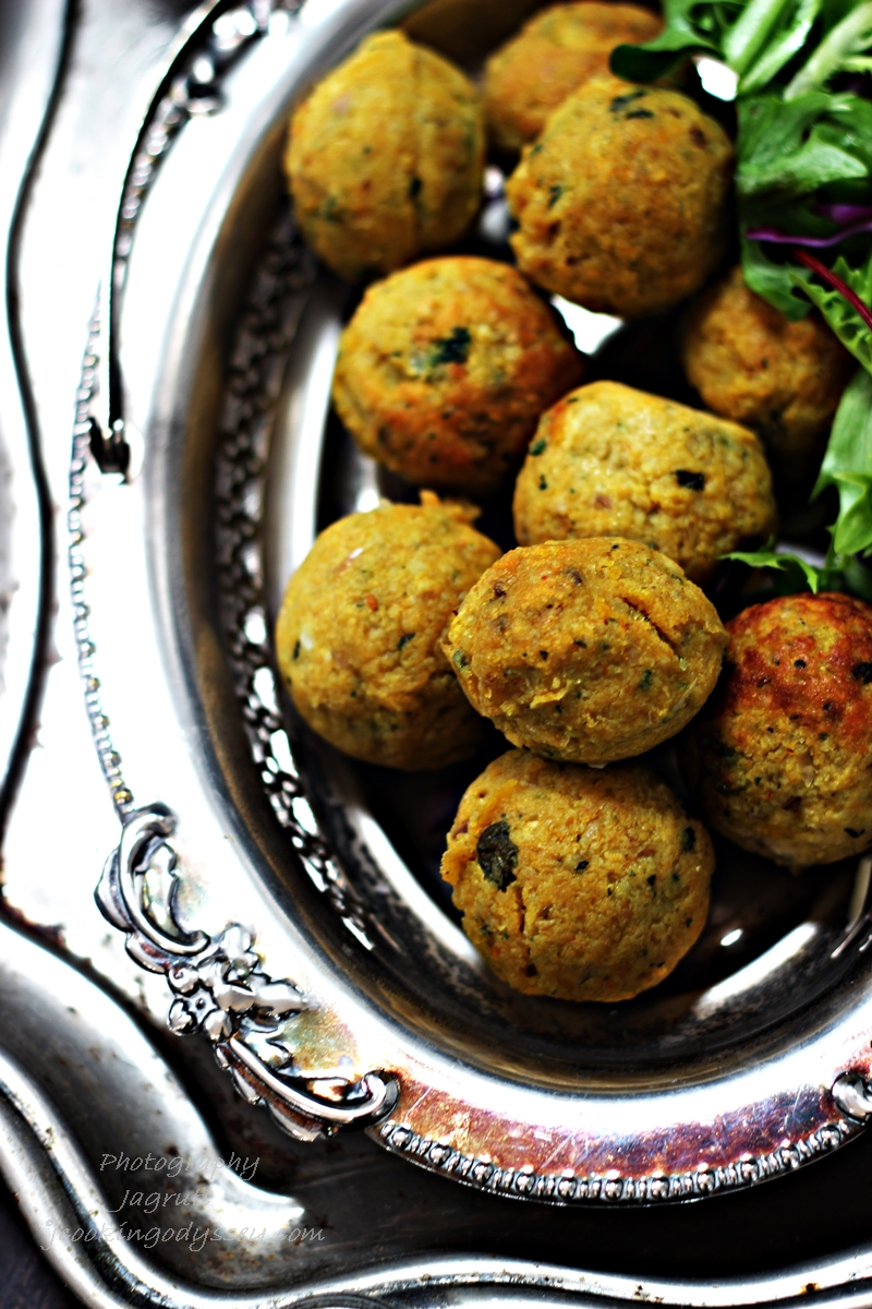 LIGHT PUMPKIN FALAFEL