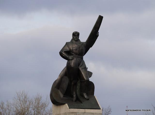Warszawa Warsaw Ochota rzeźba Wittig Jawornicki lotnicy monument