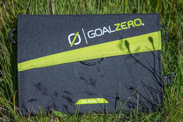 Goal-Zero Solar-Ladegerät venture-30 nomad-7 solar-charging 07