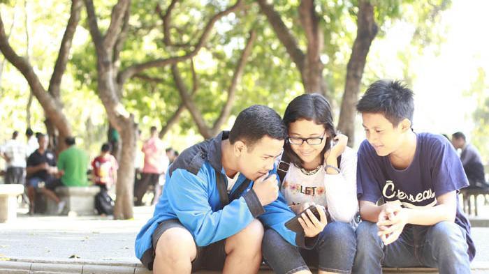 Faktor Faktor Pendorong Interaksi Sosial Beserta Penjelasan Sosiologi Mudah