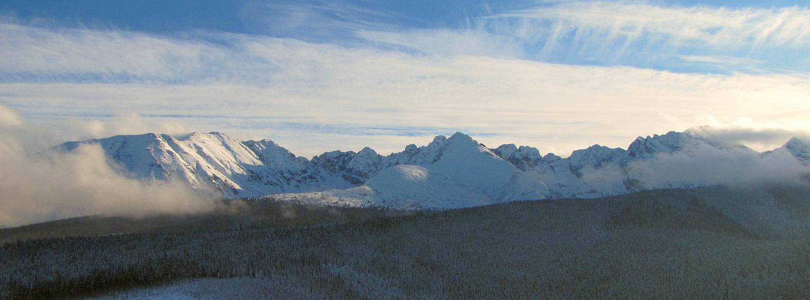 Panorama na Tatry - z Kopieńca widoczna jest niemal cała Orla Perć.