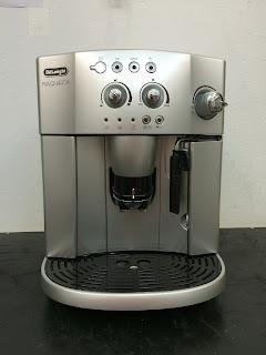 Máy pha cà phê Delonghi Esam 4200.S đã qua sử dụng