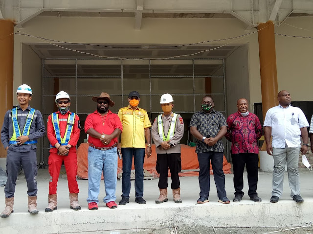 Thomas Sondegau Kunjungi Sejumlah Venue di Kota Jayapura, Optimis Semua Venue Rampung Akhir 2020