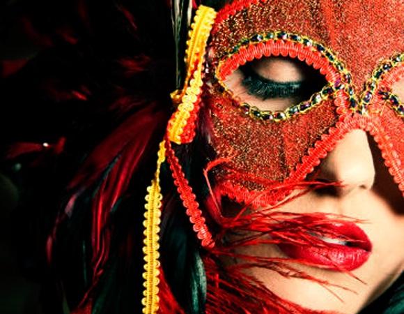 dicas-de-acessorios-e-fantasias-para-sua-folia-de-carnaval-2017