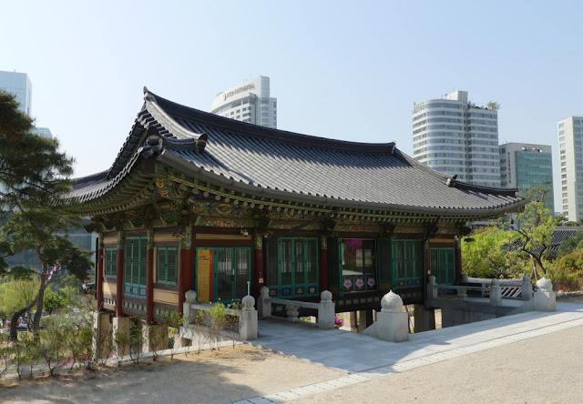 Bongeunsa - buddhistischer Tempel mitten in Gangnam