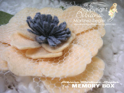 boutonniere in felt for mom detail