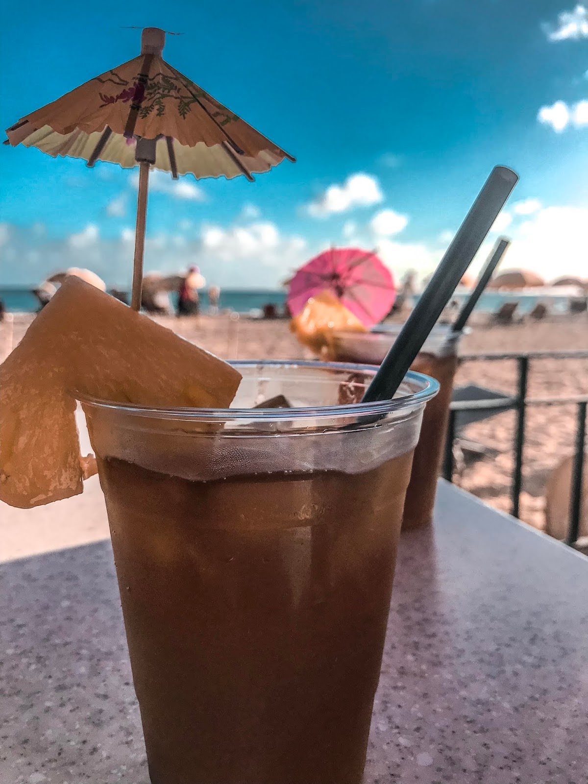 Mai Tais at Waikiki Beach in Oahu Hawaii