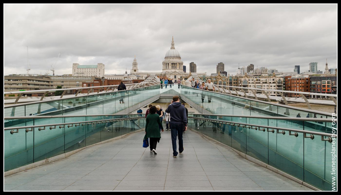Puente del Milenio (Milenium Bridge) Londres Inglaterra