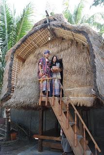rumah lumbung di desa sukarara lombok