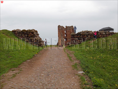 Новогрудок. Ворота в замок Миндовга