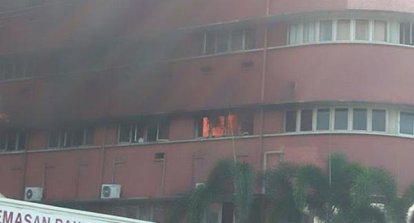 TERKINI! Kebakaran Di Hospital Sultanah Aminah, Polis Sahkan 5 Pesakit Maut!