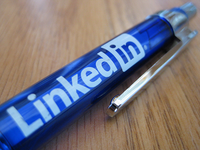 The Pros And Cons Of Using LinkedIn For Law Firms