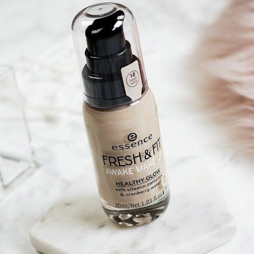 NEW Essence Fresh & Fit Foundation Review | Jolien Nathalie