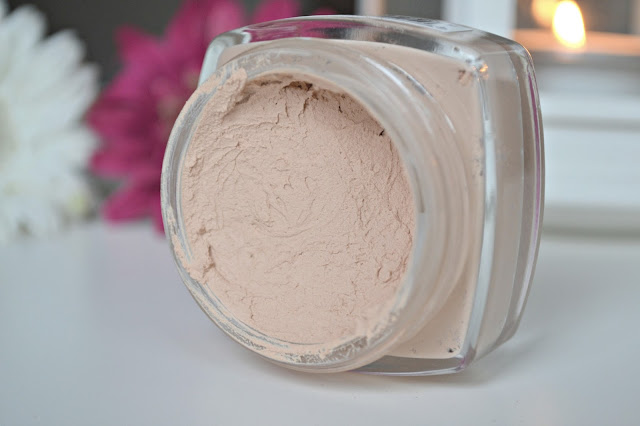 Photo of mousse foundation Maybelline Dream Matte Mousse Dupe