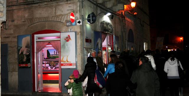 negozio, macelleria, turisti, attività commerciale, sagra del Fungo Cardoncello, Ruvo, strada
