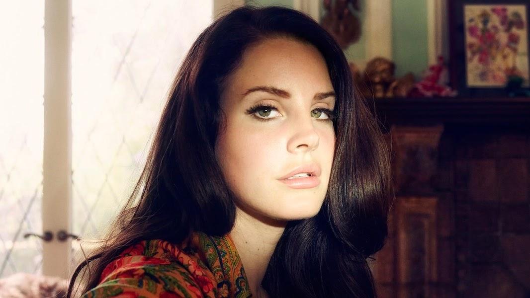 Prestes a chegar ao Brasil para o Lollapalooza, Lana Del Rey está de música nova.