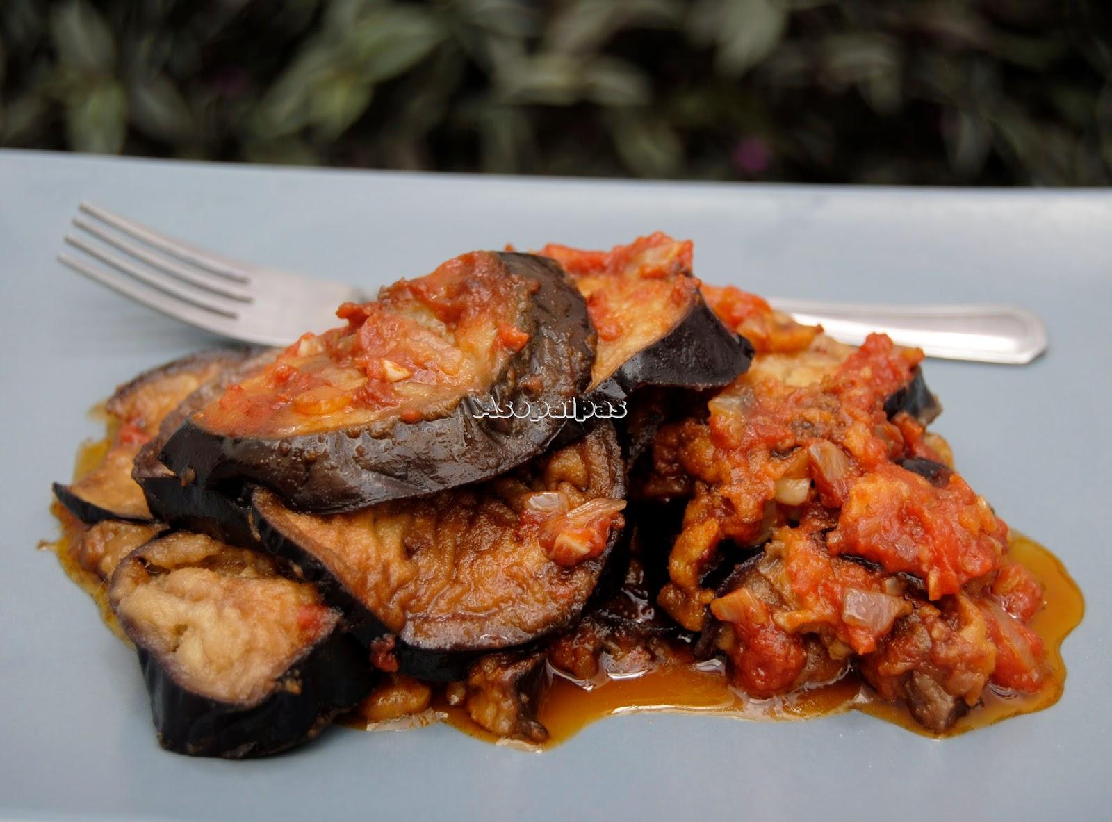 Berenjenas con Salsa de Tomate