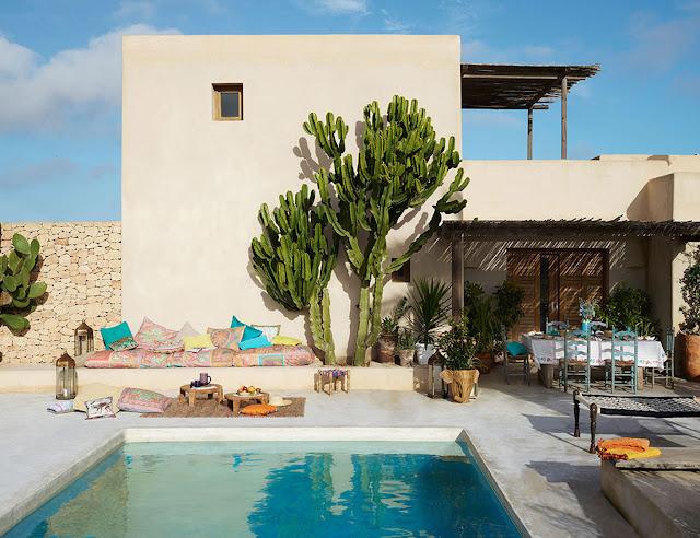 No blog, quintal com piscina. Achados de Decoração