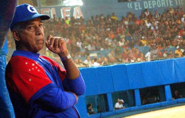 A Carlos Martí le han dado el tantas veces redondeado conjunto de Granma para la Serie del Caribe y quizas con eso pudiera bastarle