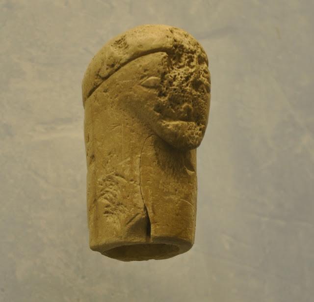 słowiański idol z Merseburga eksponowany w muzeum w Oledenburgu